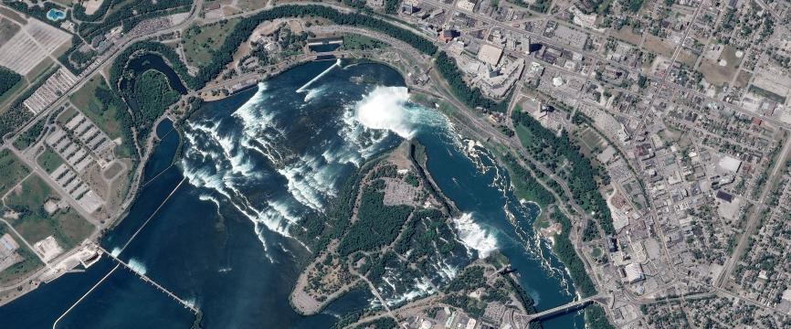Frontière Etats-Unis / Canada : les chutes du Niagara