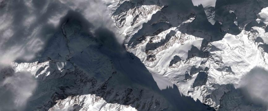 Le Mont Blanc : un massif transfrontalier, entre désaccords frontaliers et laboratoire de coopération transfrontalière